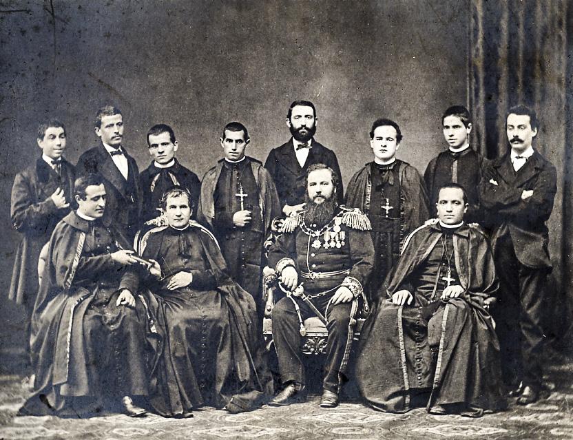 1875 – inspirado por um sonho, Dom Bosco envia o primeiro grupo de salesianos à América do Sul, dando início a uma verdadeira aventura missionária para levar o evangelho aos jovens, a porção mais delicada da sociedade.