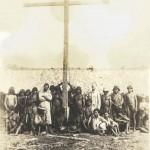 Pe. João Fuchs e Pe. Pedro Saciolotti e índios Carajá